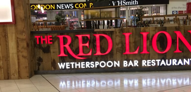 JD Wetherspoon - Red Lion, Gatwick - Illuminated Sign & UV Printed Wood Backdrop