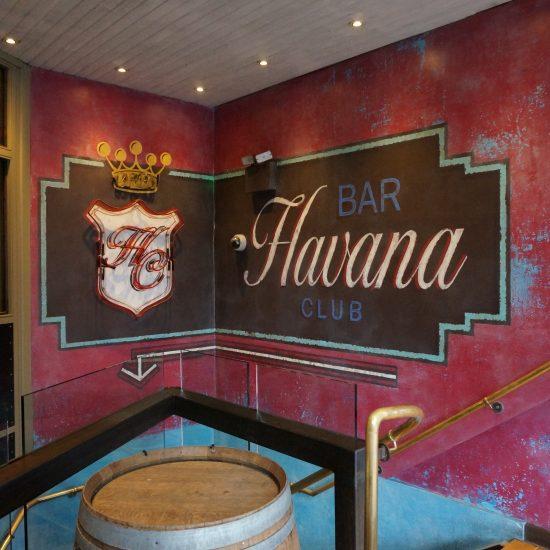 Revolución de Cuba, Manchester - Neon Sign & Custom Hand Painted Wall Art